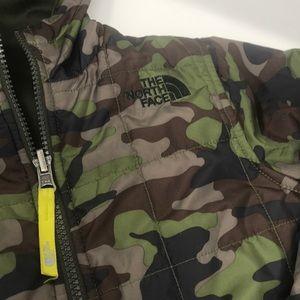 The North Face Jackets & Coats - The North Face camo XXS (5) reversible jacket